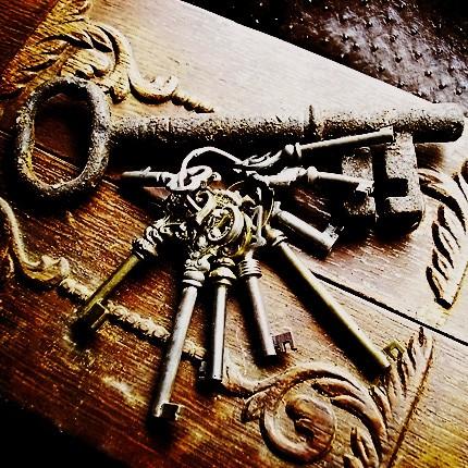- vintage-keys
